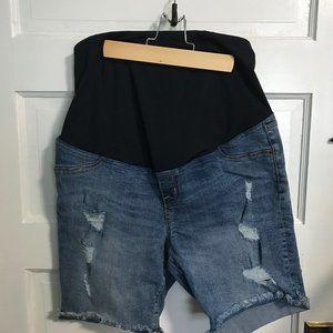 Ingrid & Isabel Maternity Shorts Size 8